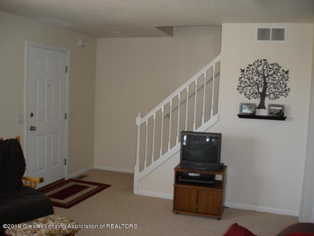 1506 S Lansing St - Living Room - 5