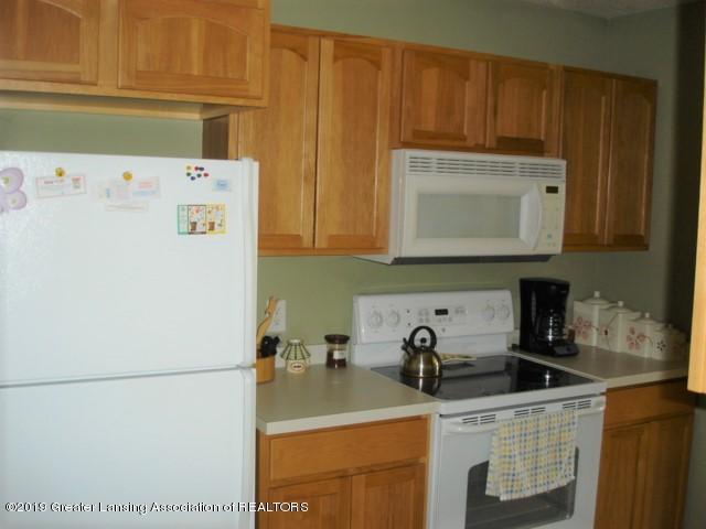 1506 S Lansing St - Kitchen - 9