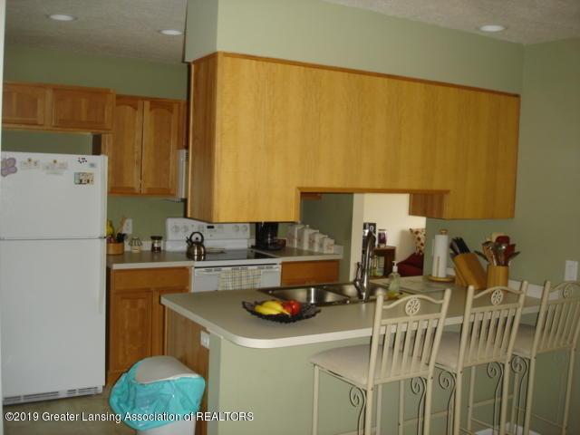1506 S Lansing St - Kitchen - 10