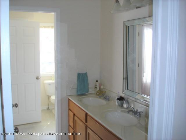 1506 S Lansing St - Bathroom - 12