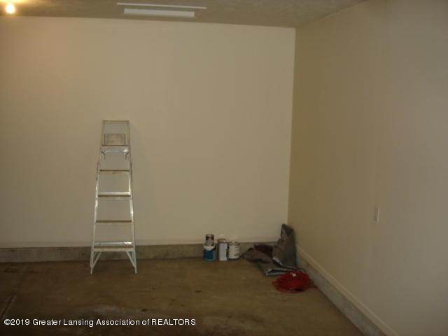 1506 S Lansing St - Garage - 25