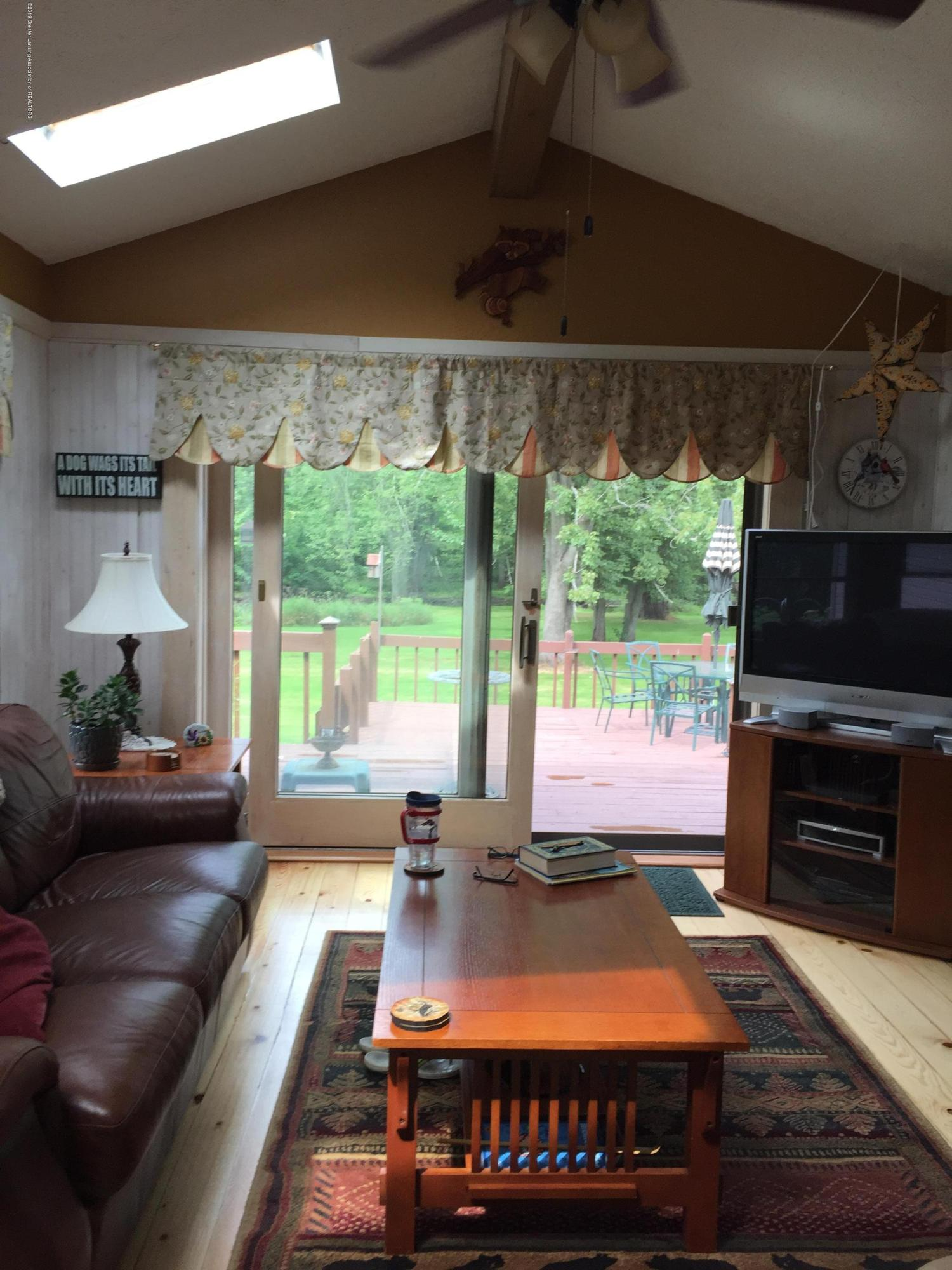 805 E Dill Dr - 4 Season Great Room  w/ River Steam View - 91