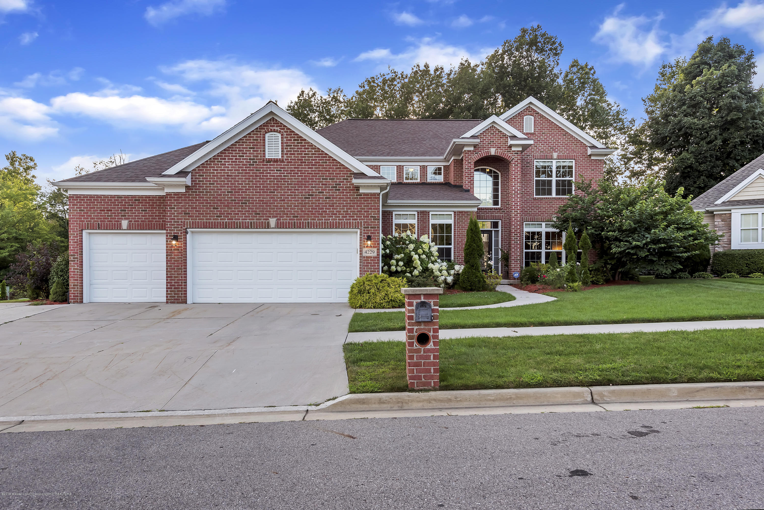 4229 Rain Forest Cir - 4229-Rainforest-Circle-Okemos-MI-windows - 3