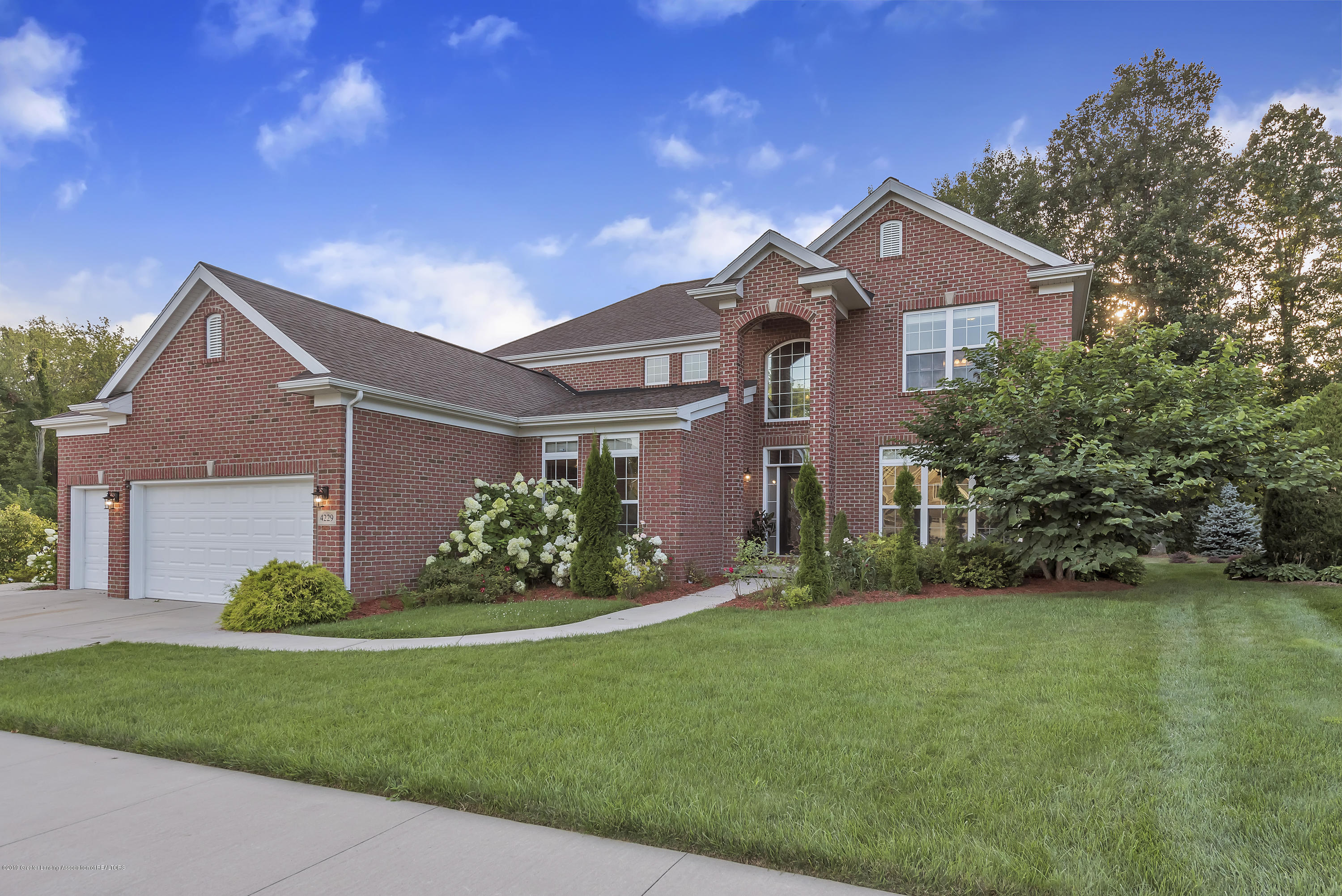 4229 Rain Forest Cir - 4229-Rainforest-Circle-Okemos-MI-windows - 4