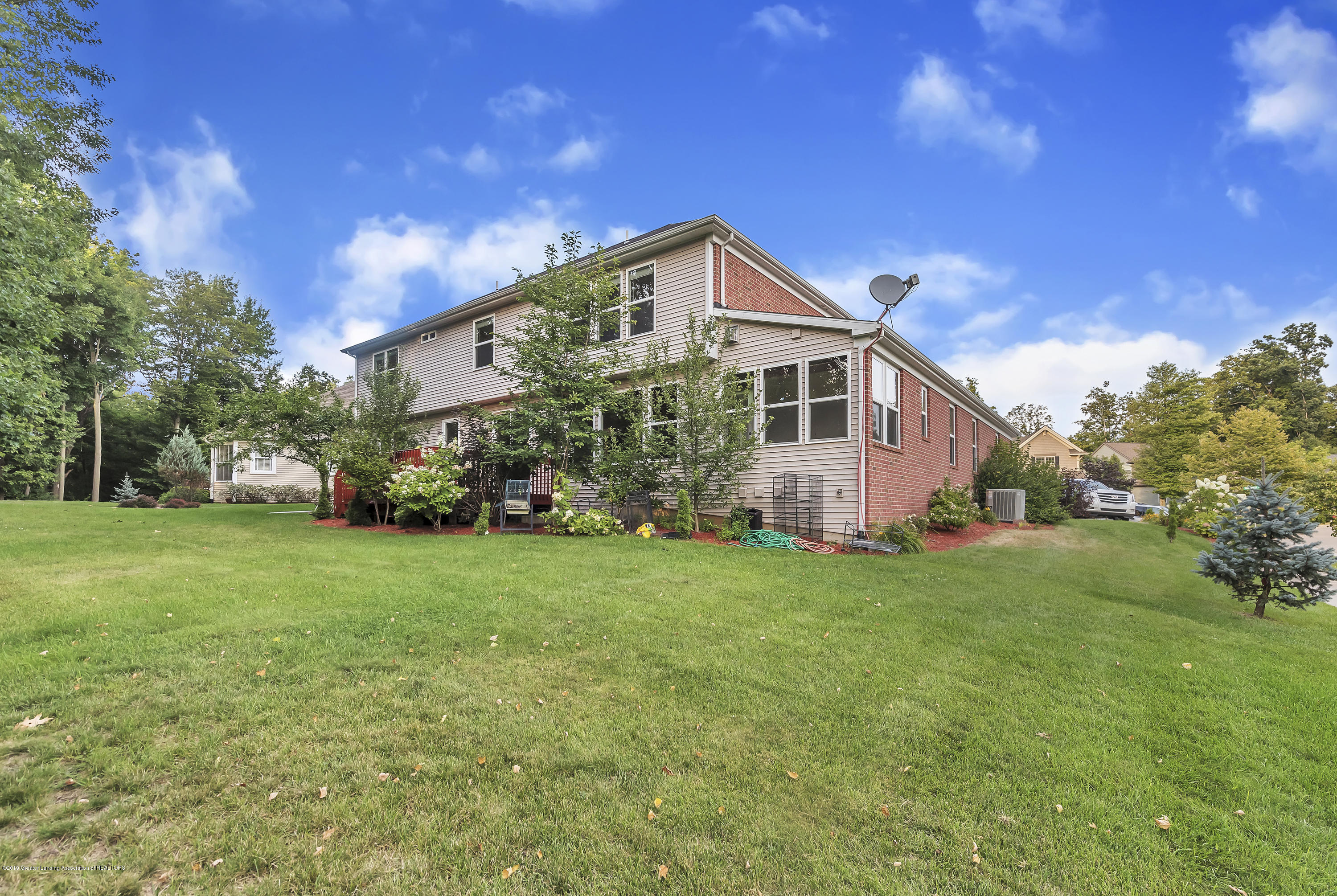 4229 Rain Forest Cir - 4229-Rainforest-Circle-Okemos-MI-windows - 48