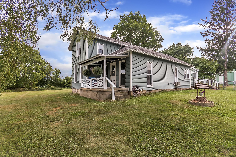 2116 Brookfield Rd - 2116-Brookfield-Rd-Charlotte-MI-windowst - 3