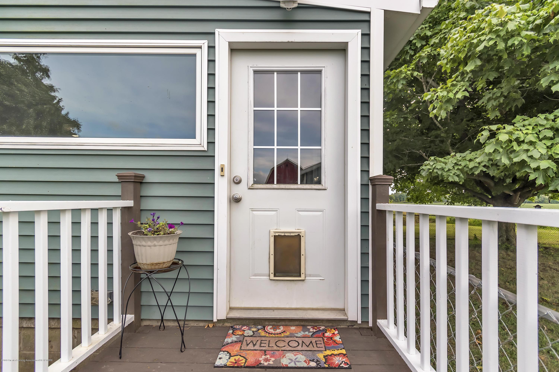 2116 Brookfield Rd - 2116-Brookfield-Rd-Charlotte-MI-windowst - 4