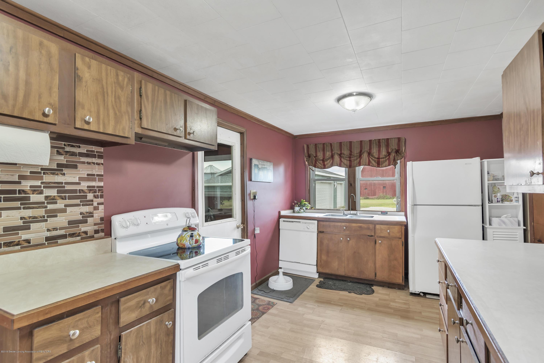 2116 Brookfield Rd - 2116-Brookfield-Rd-Charlotte-MI-windowst - 14