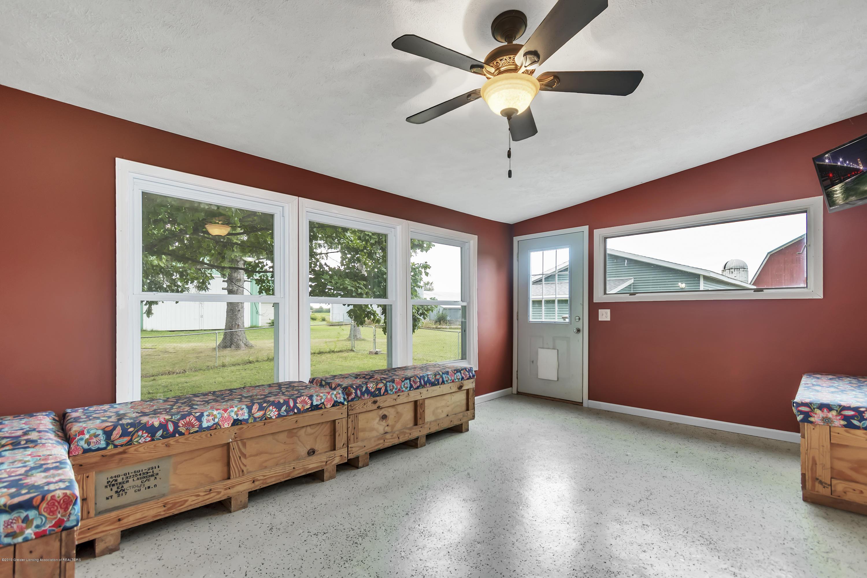 2116 Brookfield Rd - 2116-Brookfield-Rd-Charlotte-MI-windowst - 18