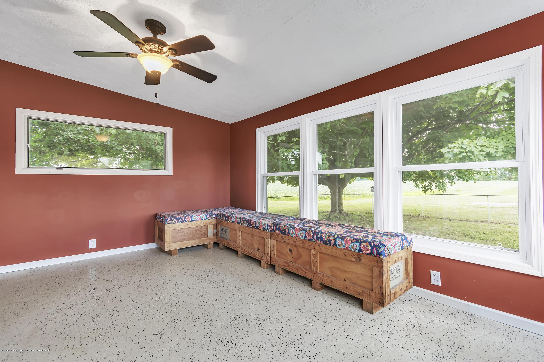 2116 Brookfield Rd - 2116-Brookfield-Rd-Charlotte-MI-windowst - 19