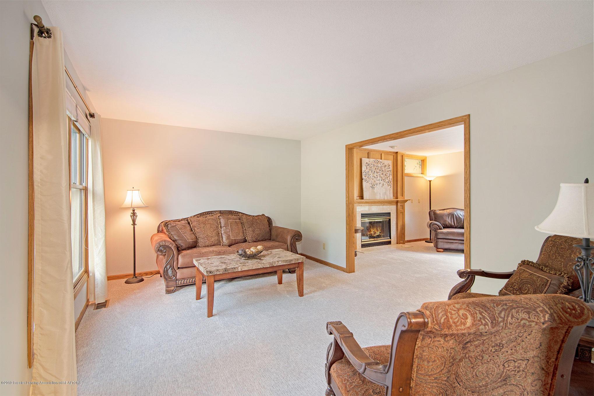 4341 Heartwood Rd - Living Room - 4
