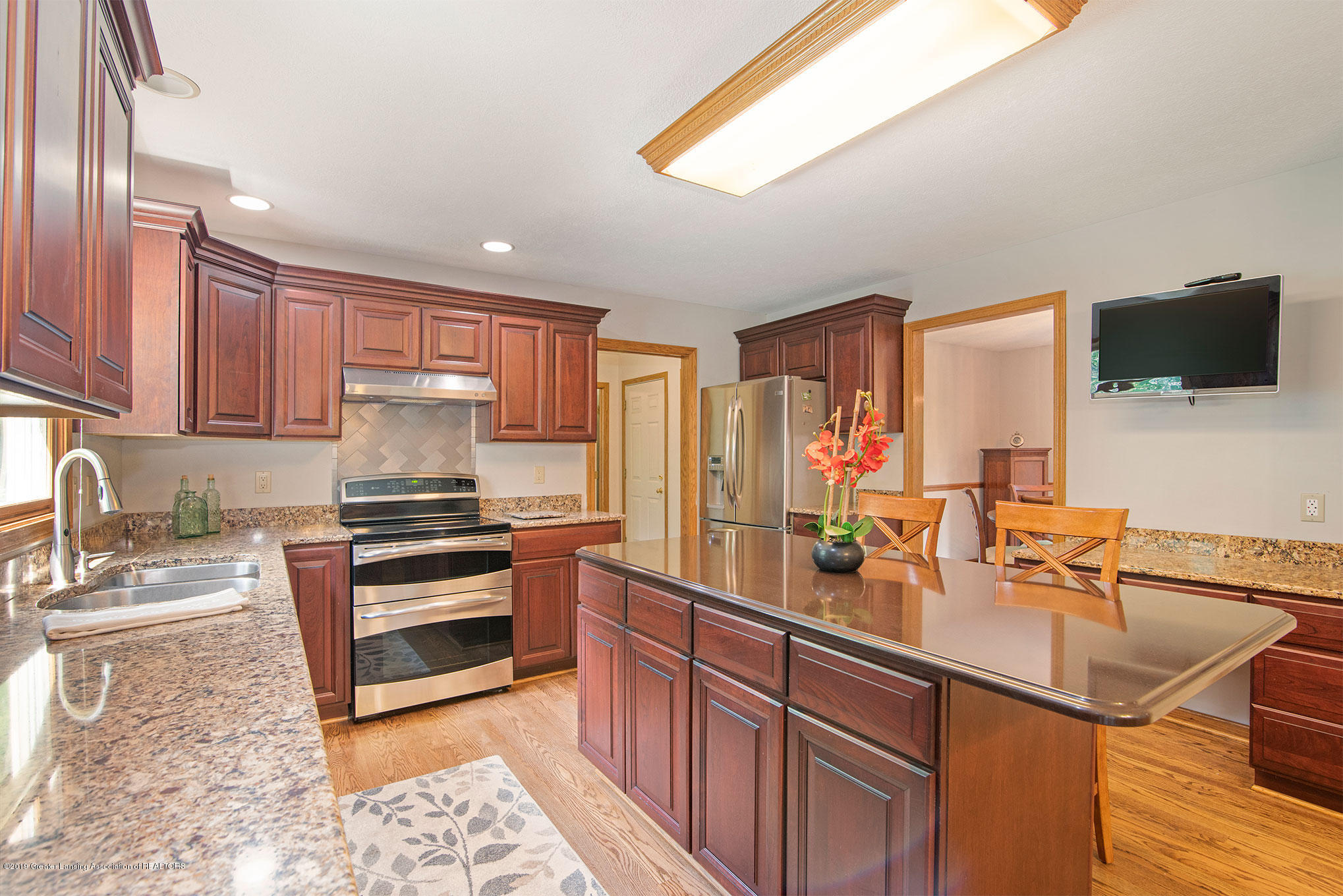 4341 Heartwood Rd - Kitchen - 13