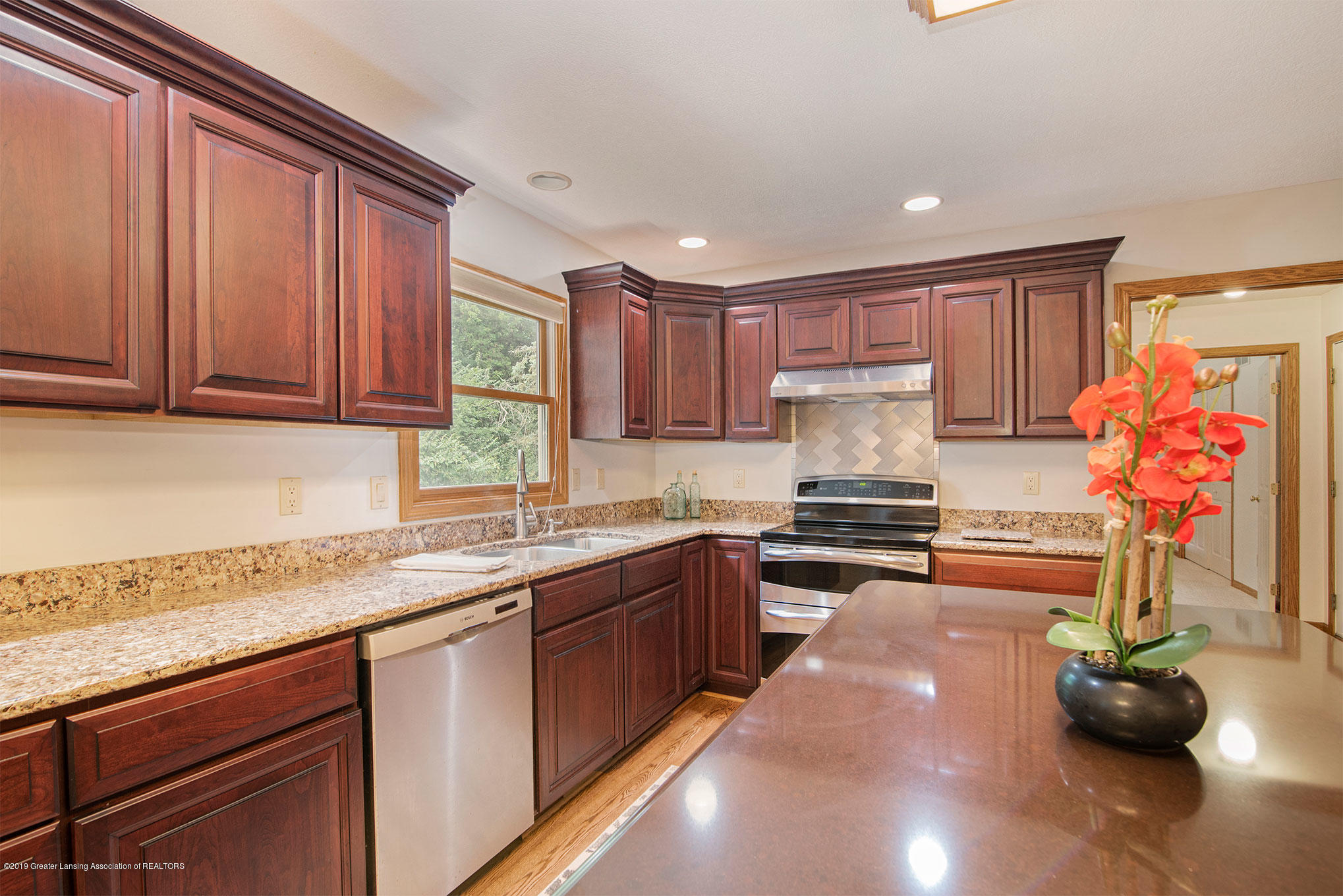 4341 Heartwood Rd - Kitchen - 14