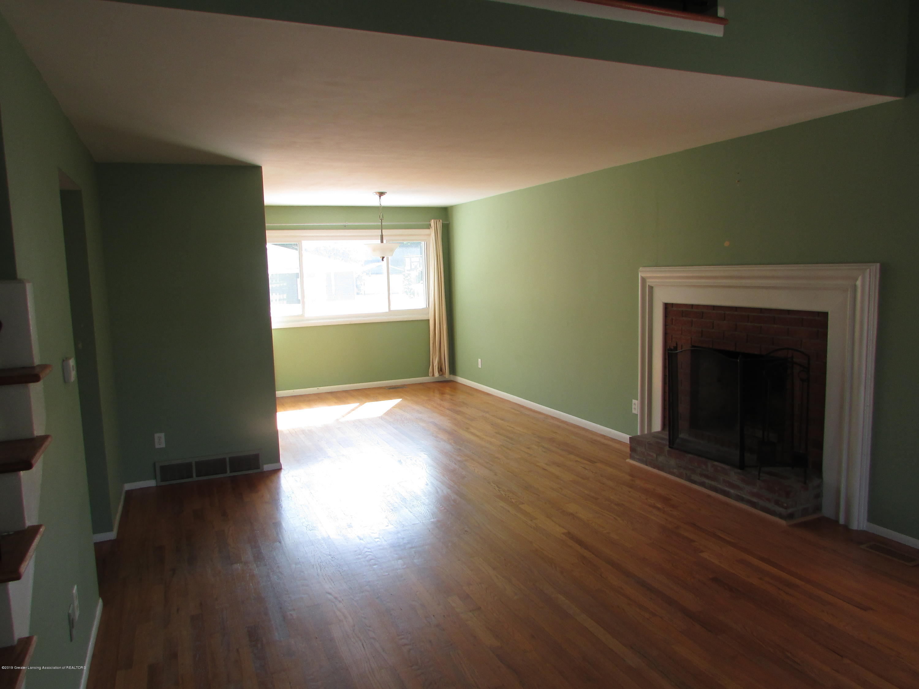 1730 Gay Ln - Living Room - 2