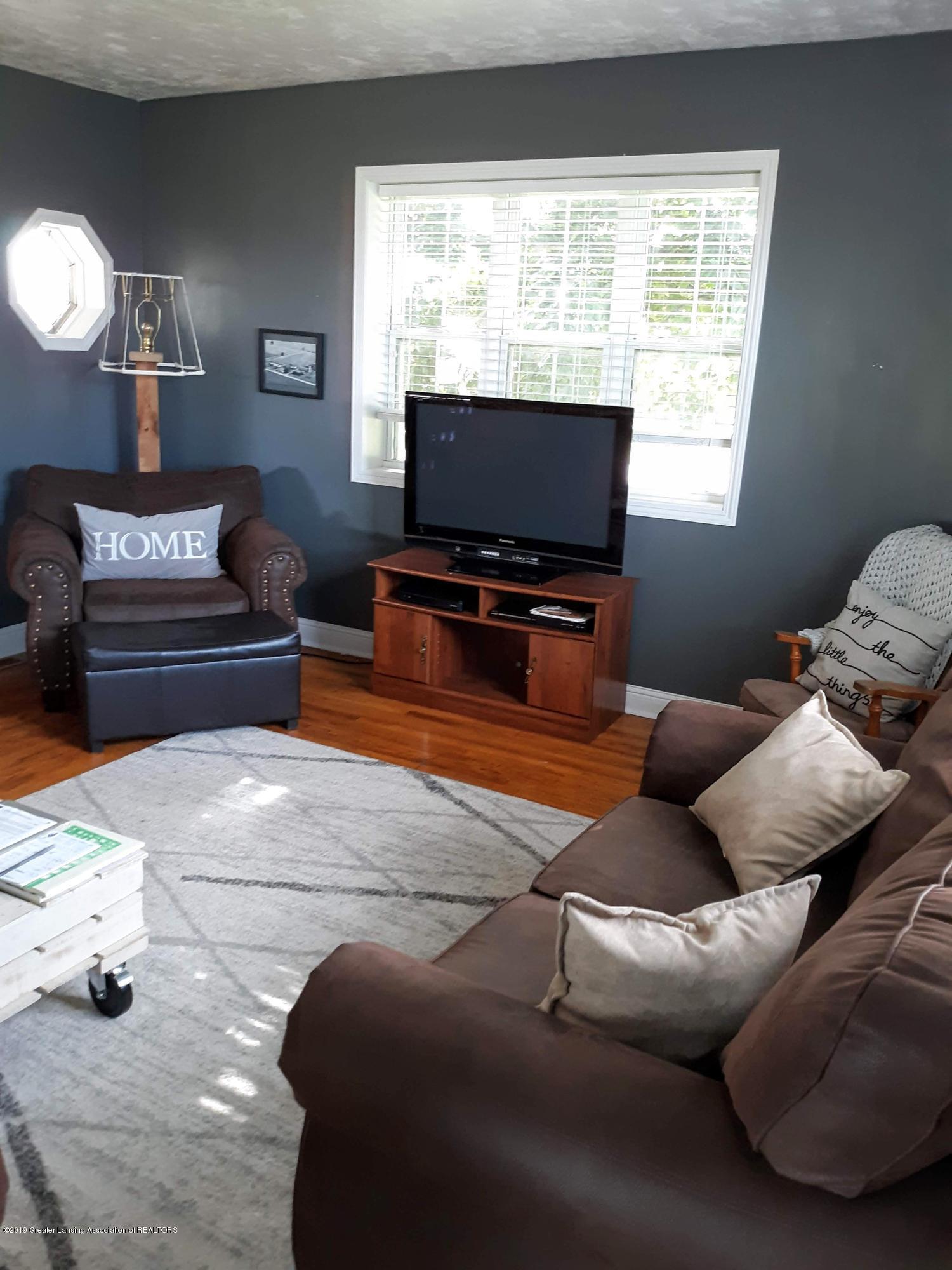 1592 N Chandler Rd - Living Room - 5