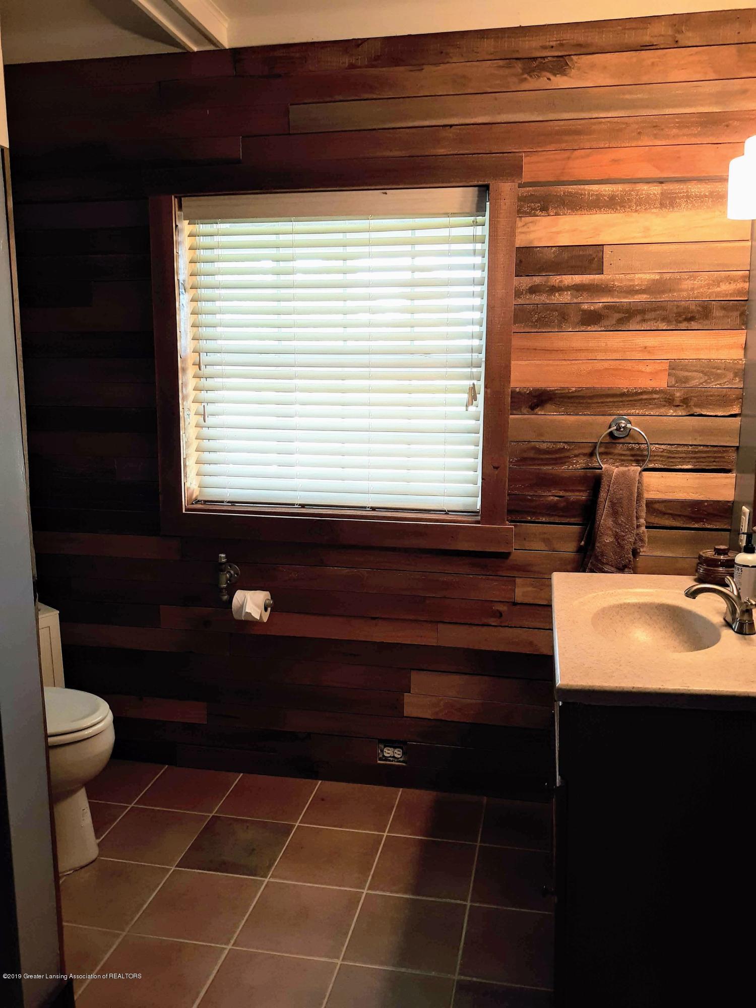 1592 N Chandler Rd - Bathroom 1 - 6