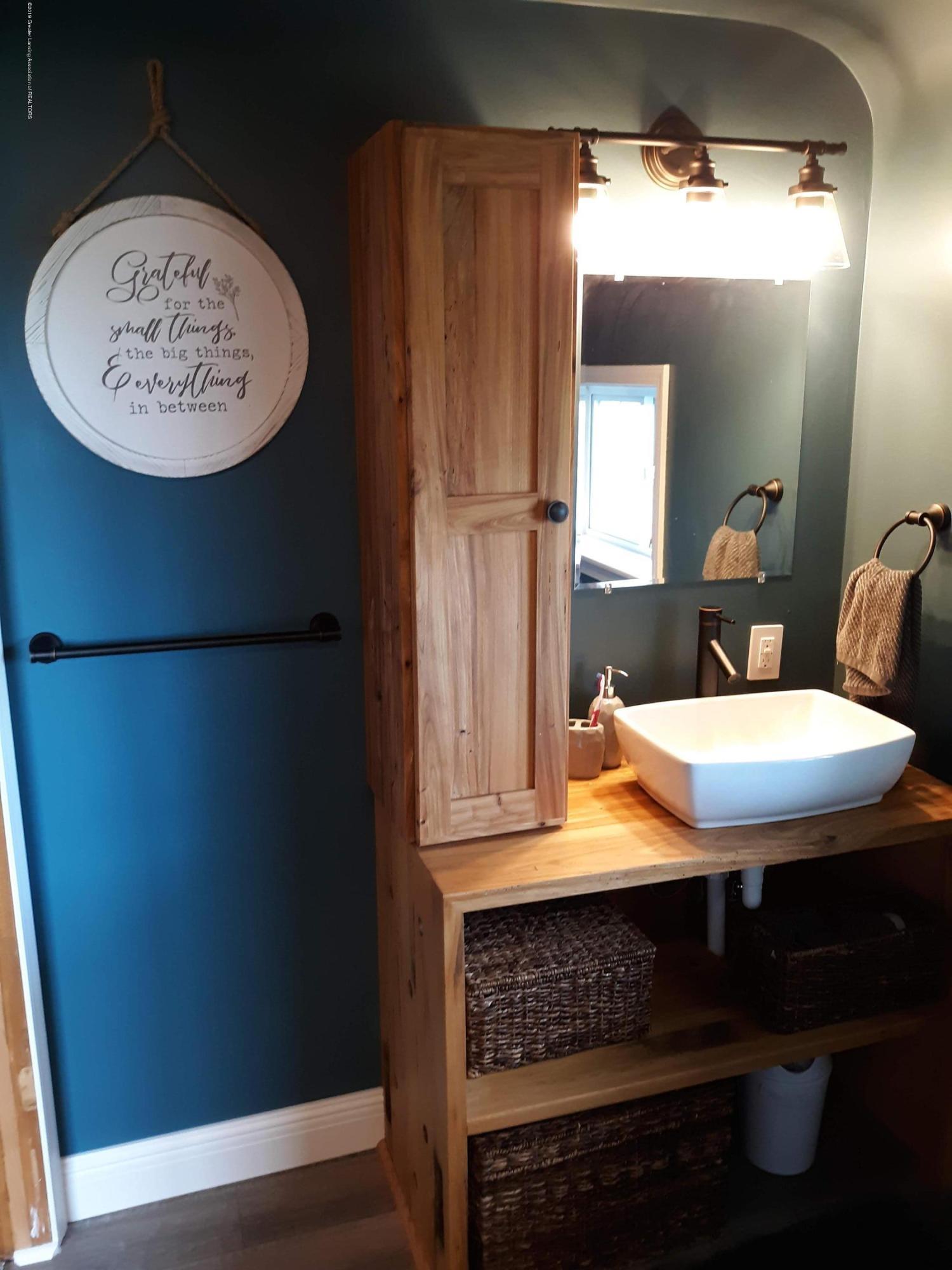 1592 N Chandler Rd - Bathroom 2 - 9