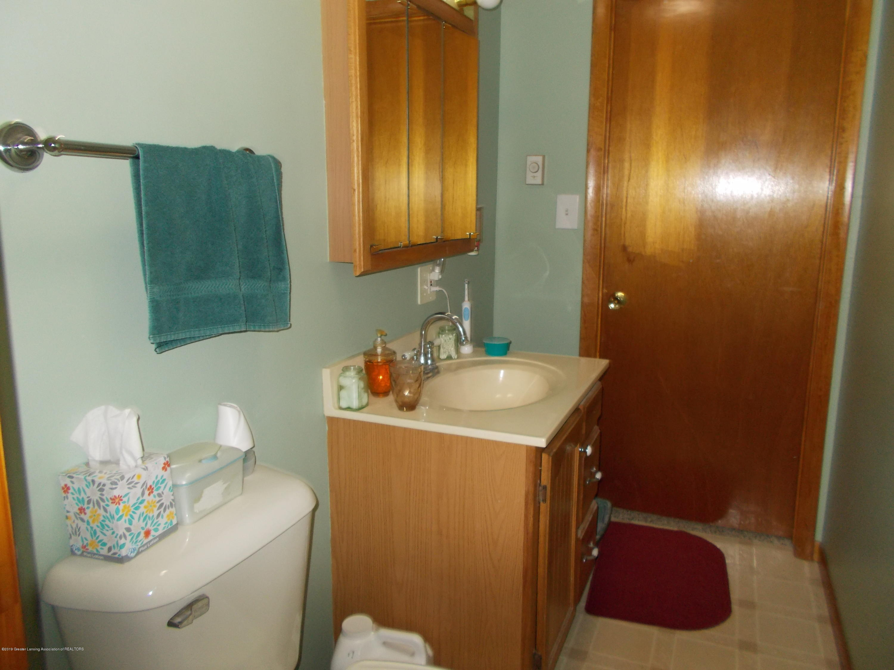 8625 E Bellevue Hwy - 1/2 Bath - 18