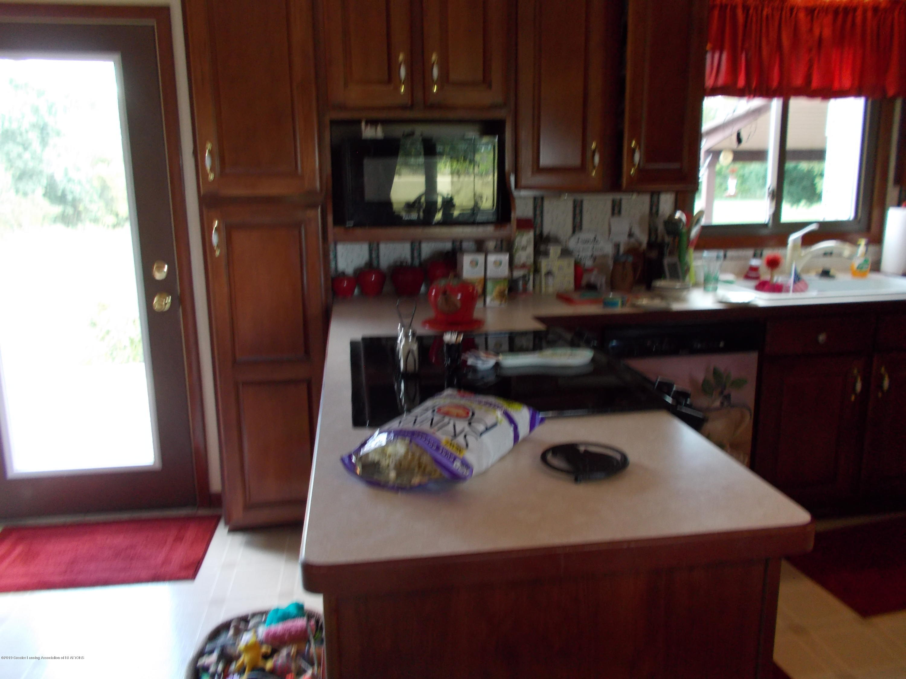 8625 E Bellevue Hwy - Kitchen - 19