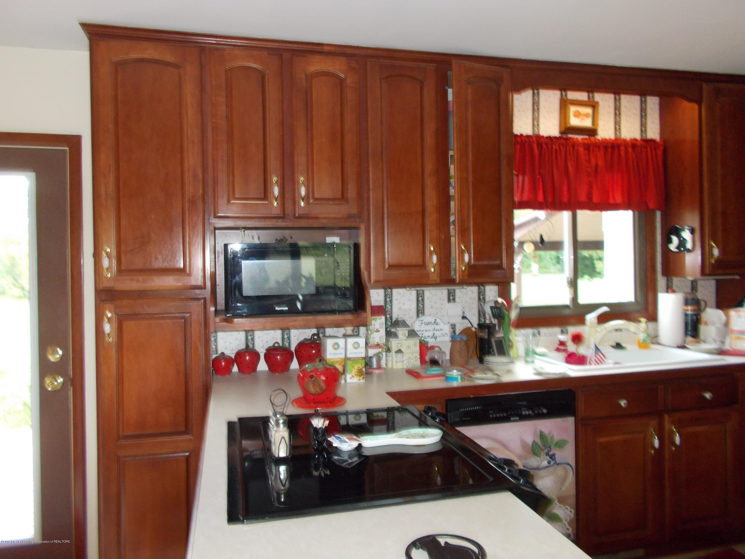 8625 E Bellevue Hwy - kitchen - 20