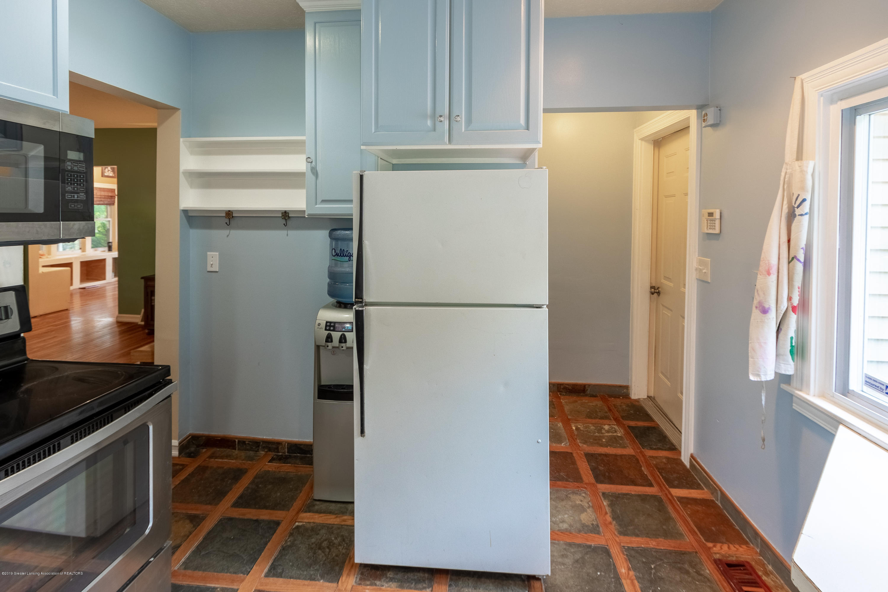 8755 Coleman Rd - Kitchen - 11