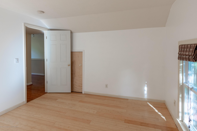 8755 Coleman Rd - Bedroom - 28