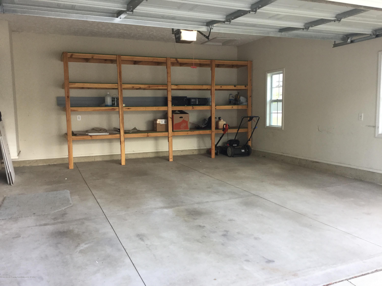687 Puffin Pl - Empty garage - 26