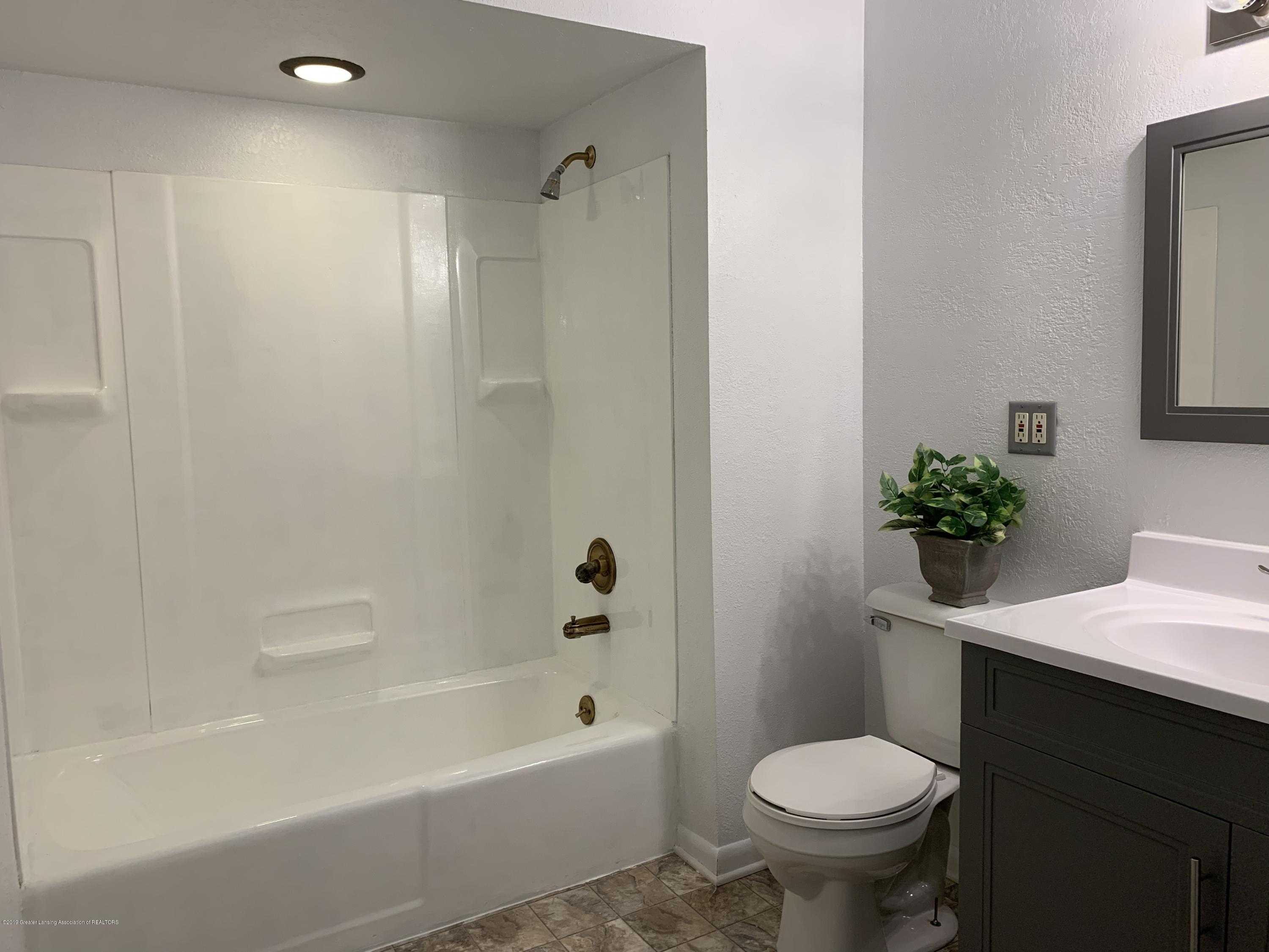 5152 River Ridge Dr - BATHROOM - 29