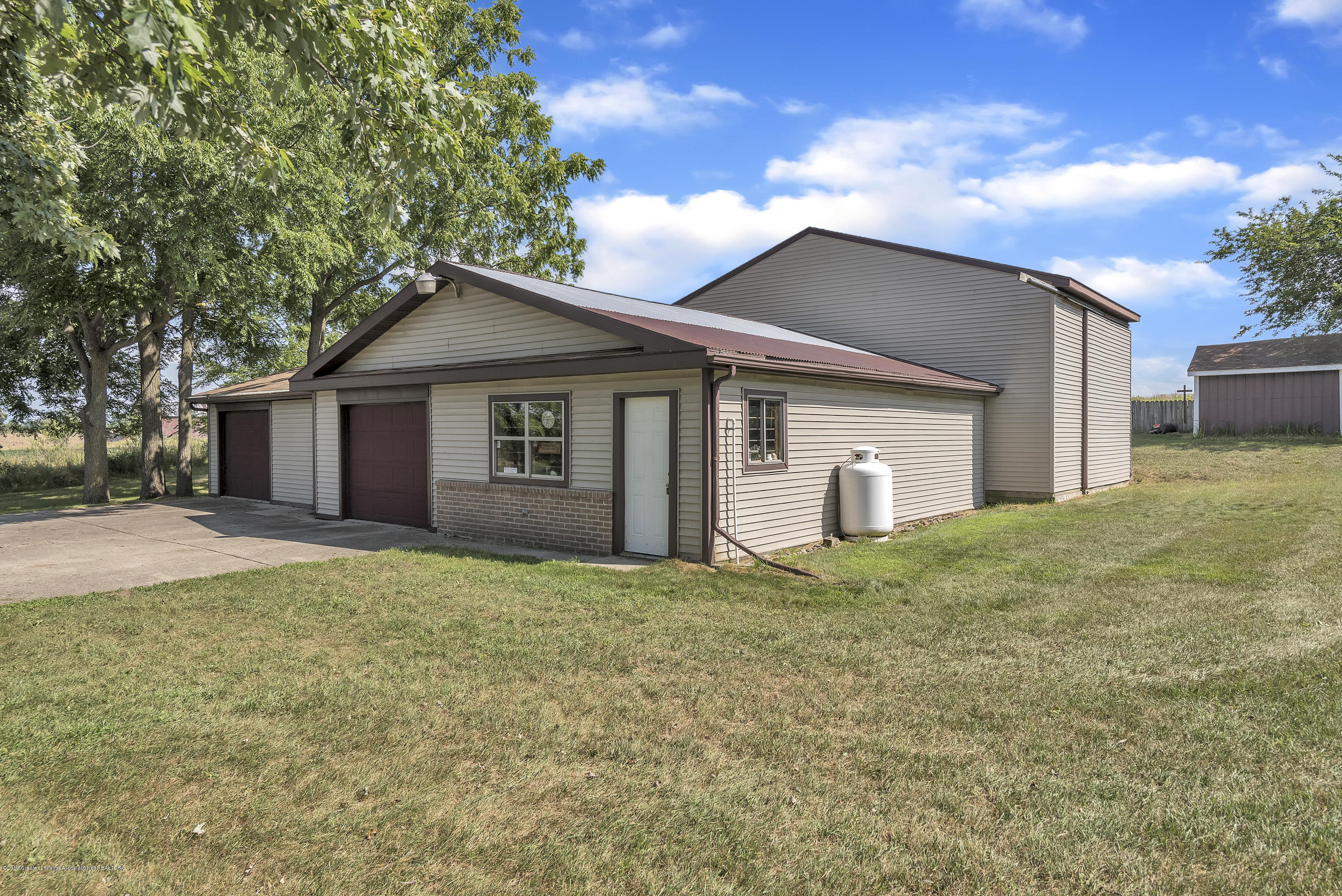 450 Noble Rd - 450-Noble-Rd-Williamston-MI-48895-window - 14