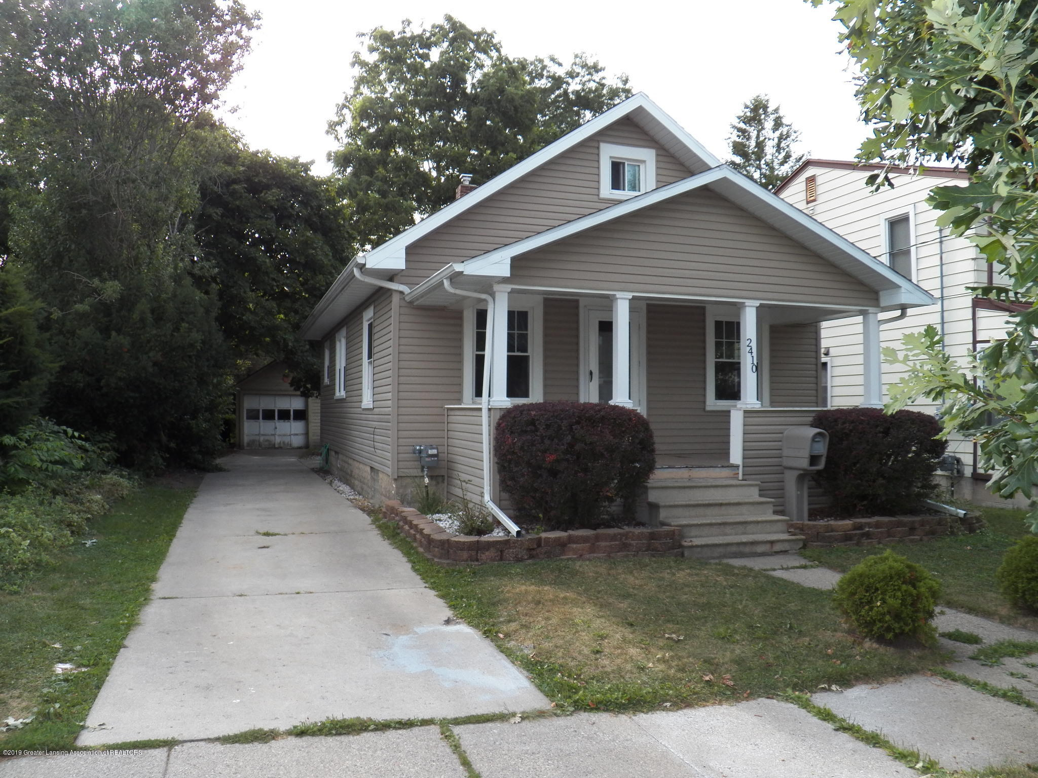 2410 Maplewood Ave - front - 1