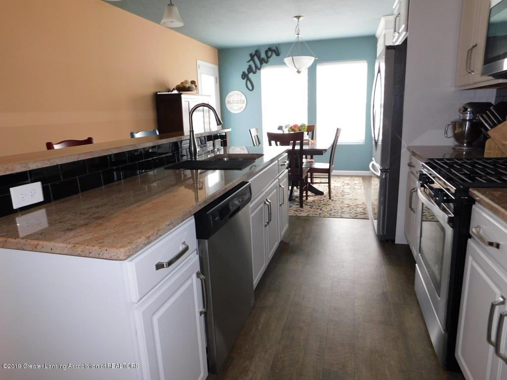 3568 Beal Ln - 6_3568 Beal kitchen - 7