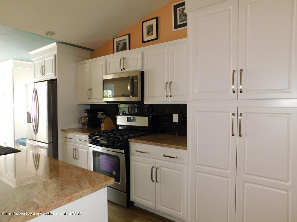 3568 Beal Ln - 7_3568 Beal kitchen - 8