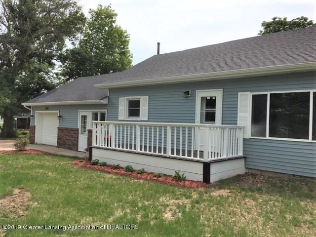 3200 S Dewitt Rd - Front deck porch - 3