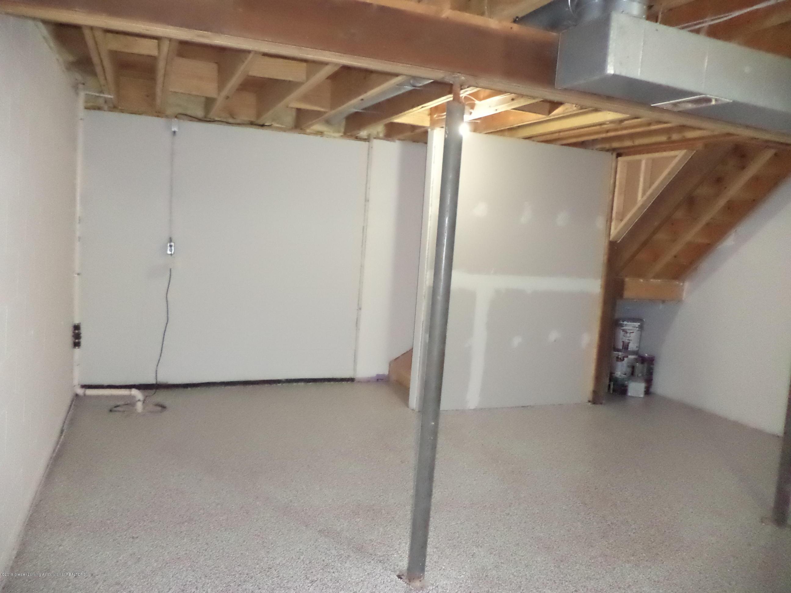 3200 S Dewitt Rd - Lower level - 28