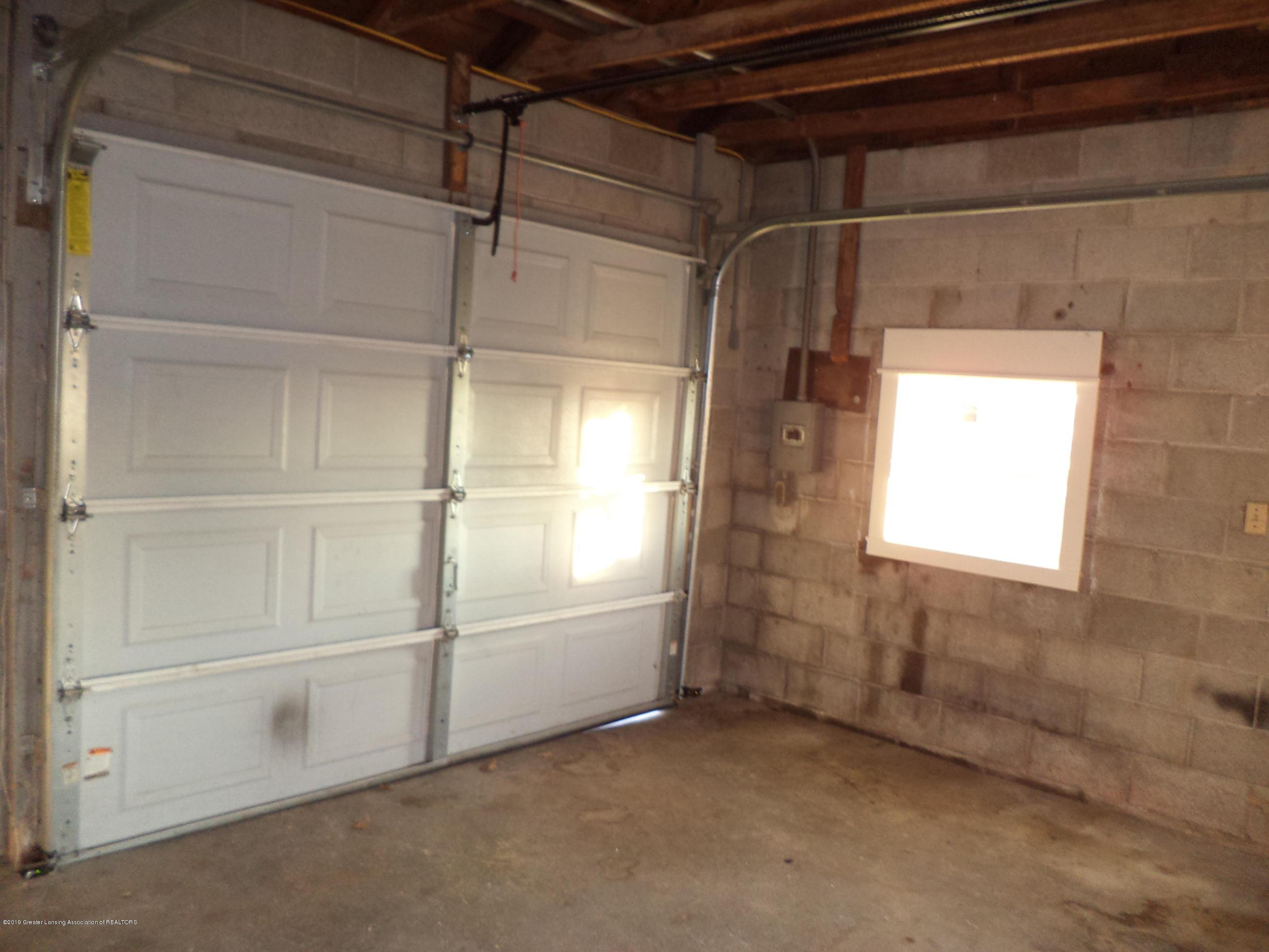 3200 S Dewitt Rd - Garage interior - 33