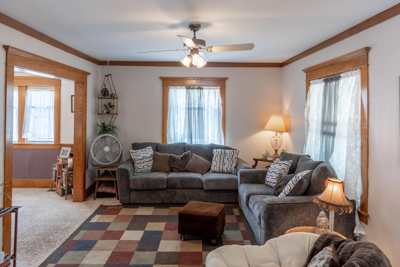 1300 E Oakland Ave - Living Room - 13