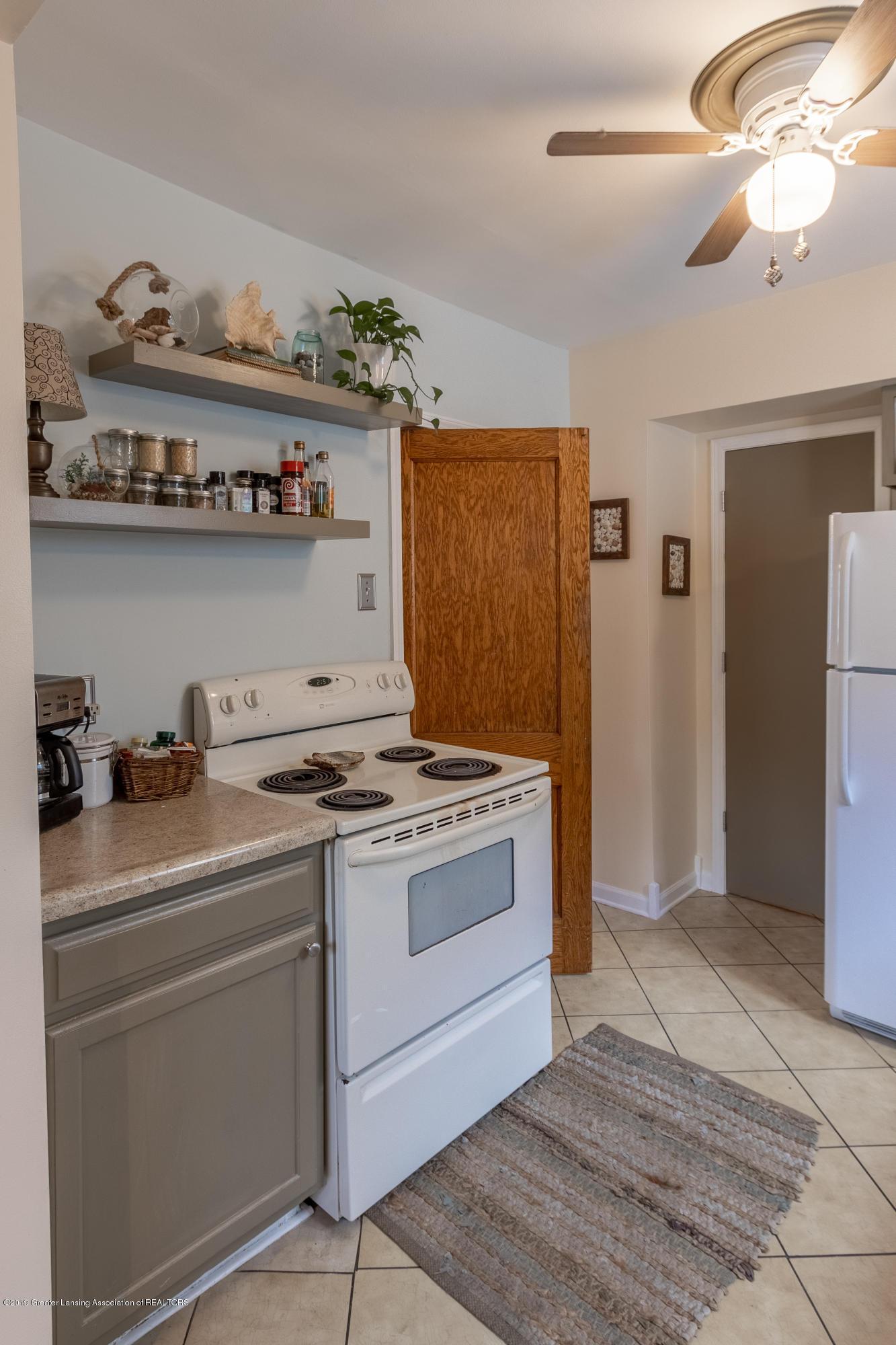1300 E Oakland Ave - Kitchen - 5