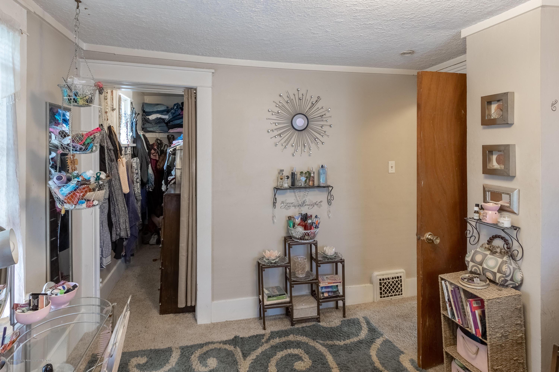 1300 E Oakland Ave - Bedroom - 19