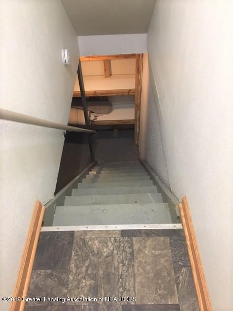 3946 Hunters Ridge Dr APT 4 - Stairs to lower level - 13