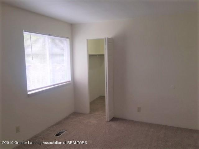 3946 Hunters Ridge Dr APT 4 - Master bedroom - 9