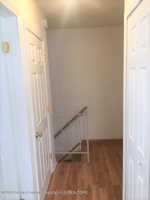 3946 Hunters Ridge Dr APT 4 - Hallway - 8
