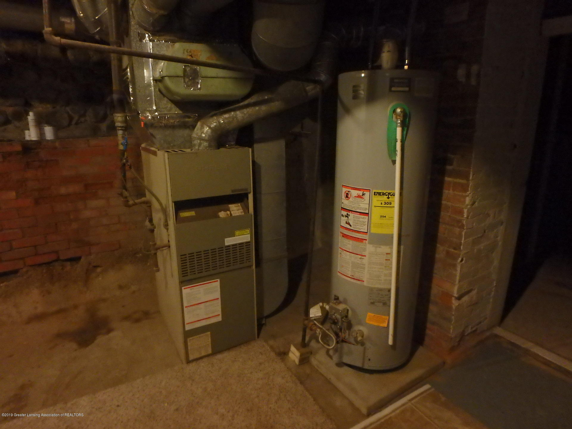 315 Pleasant St - Furnace and hot water heater - 28