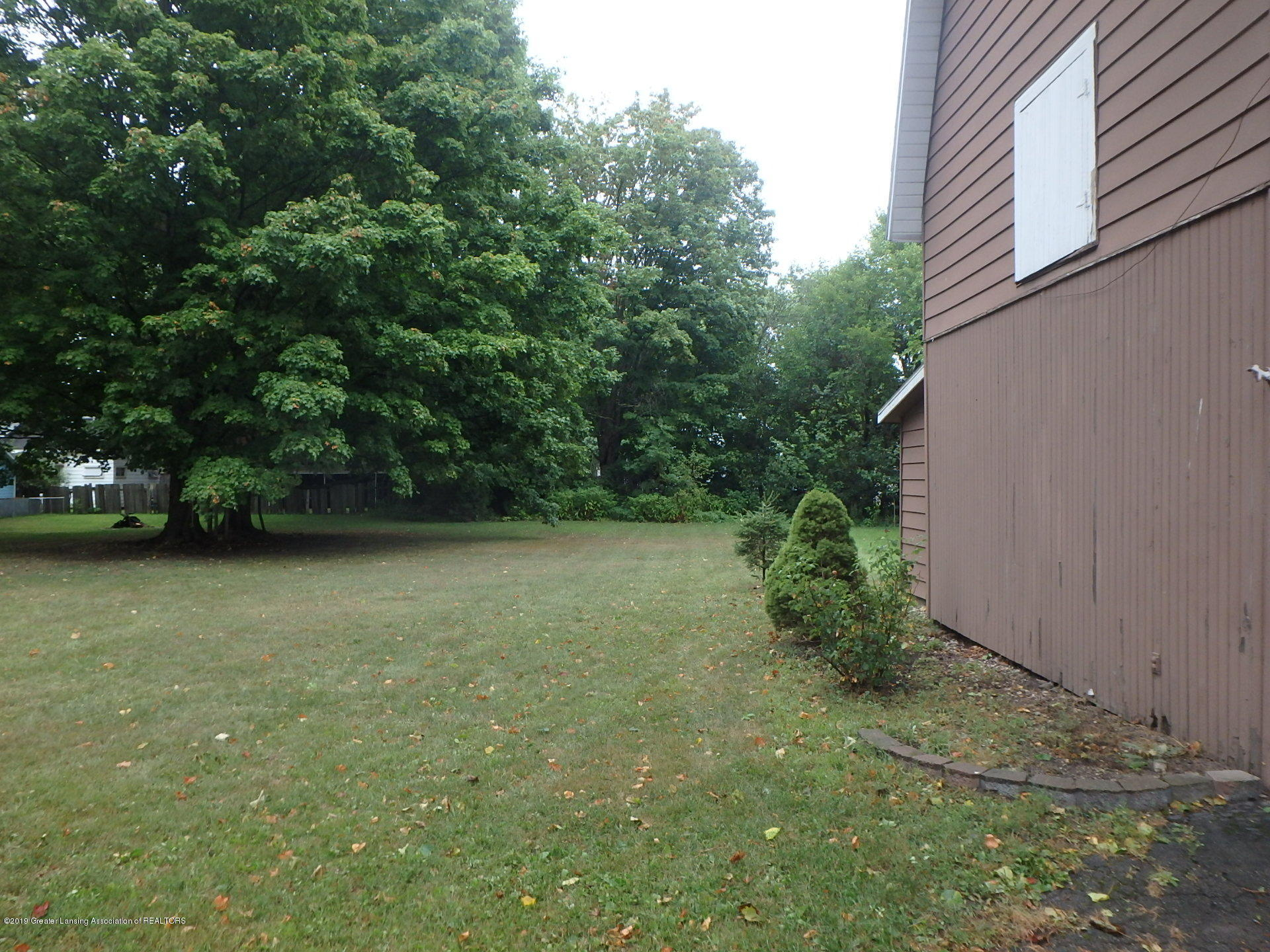 315 Pleasant St - Back Yard - Double Lot - 21
