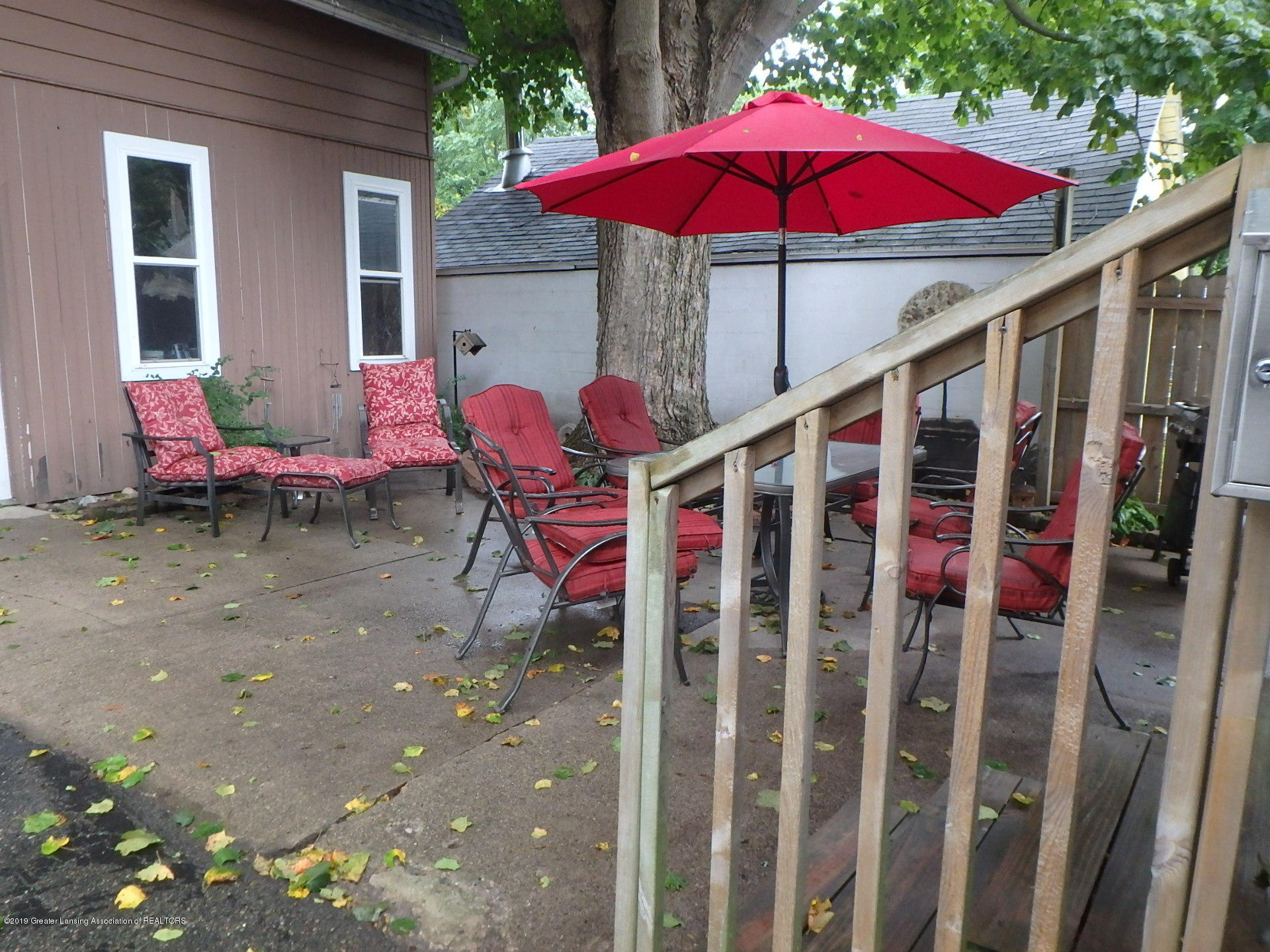 315 Pleasant St - Back patio - 20