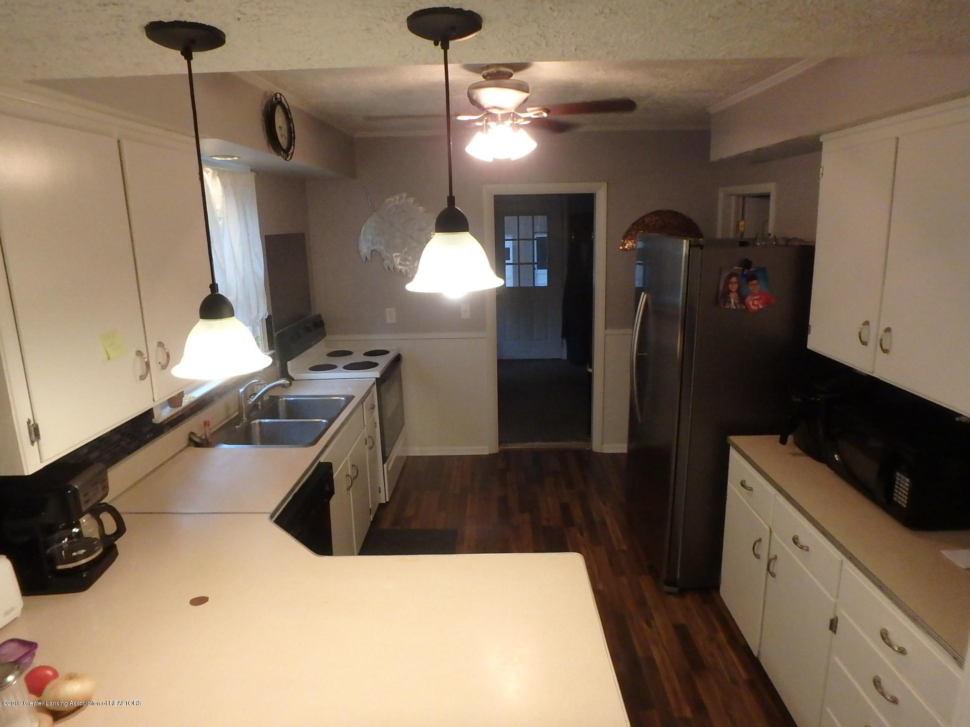 315 Pleasant St - Kitchen - 3