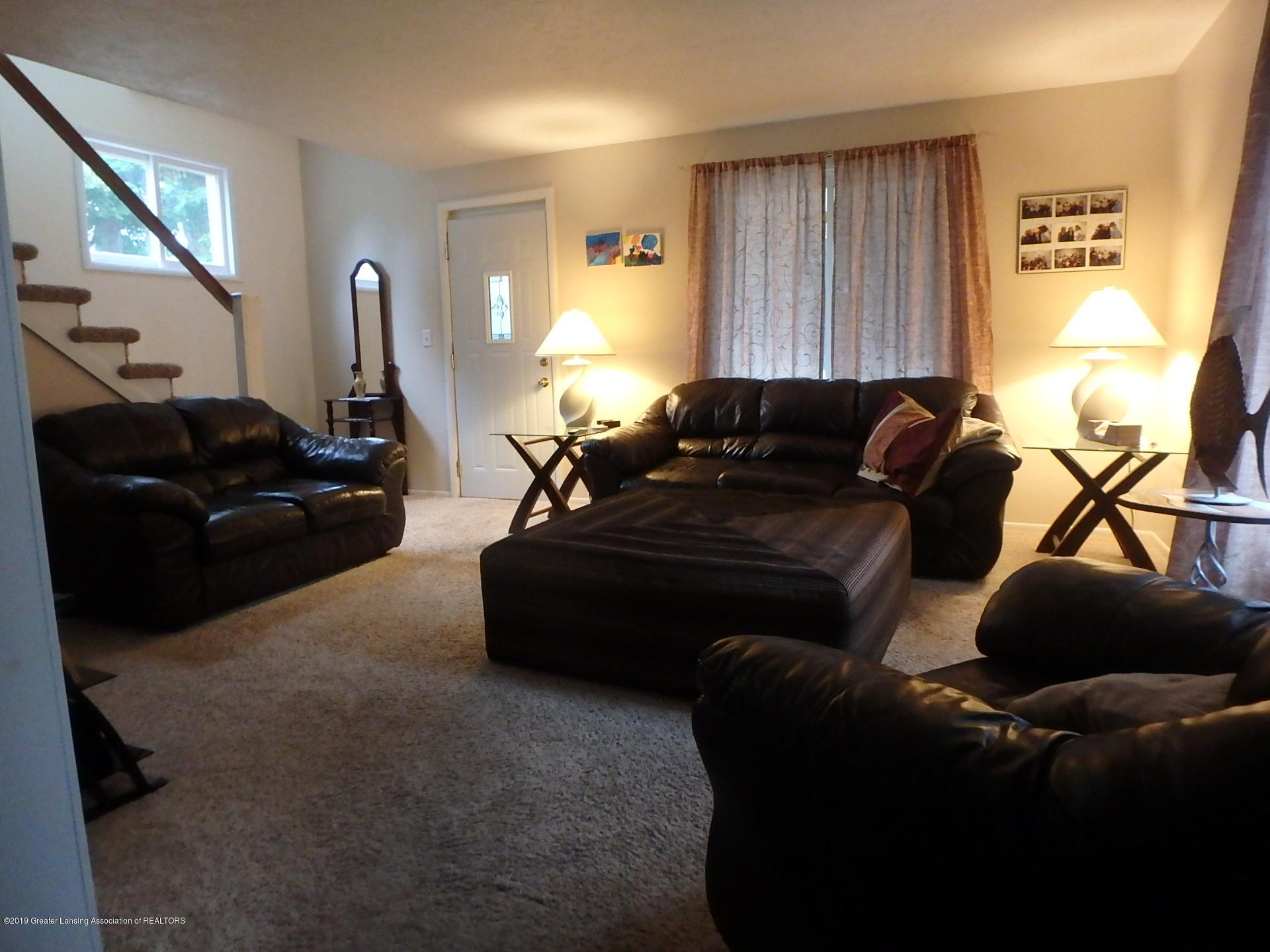 315 Pleasant St - Living Room - 6