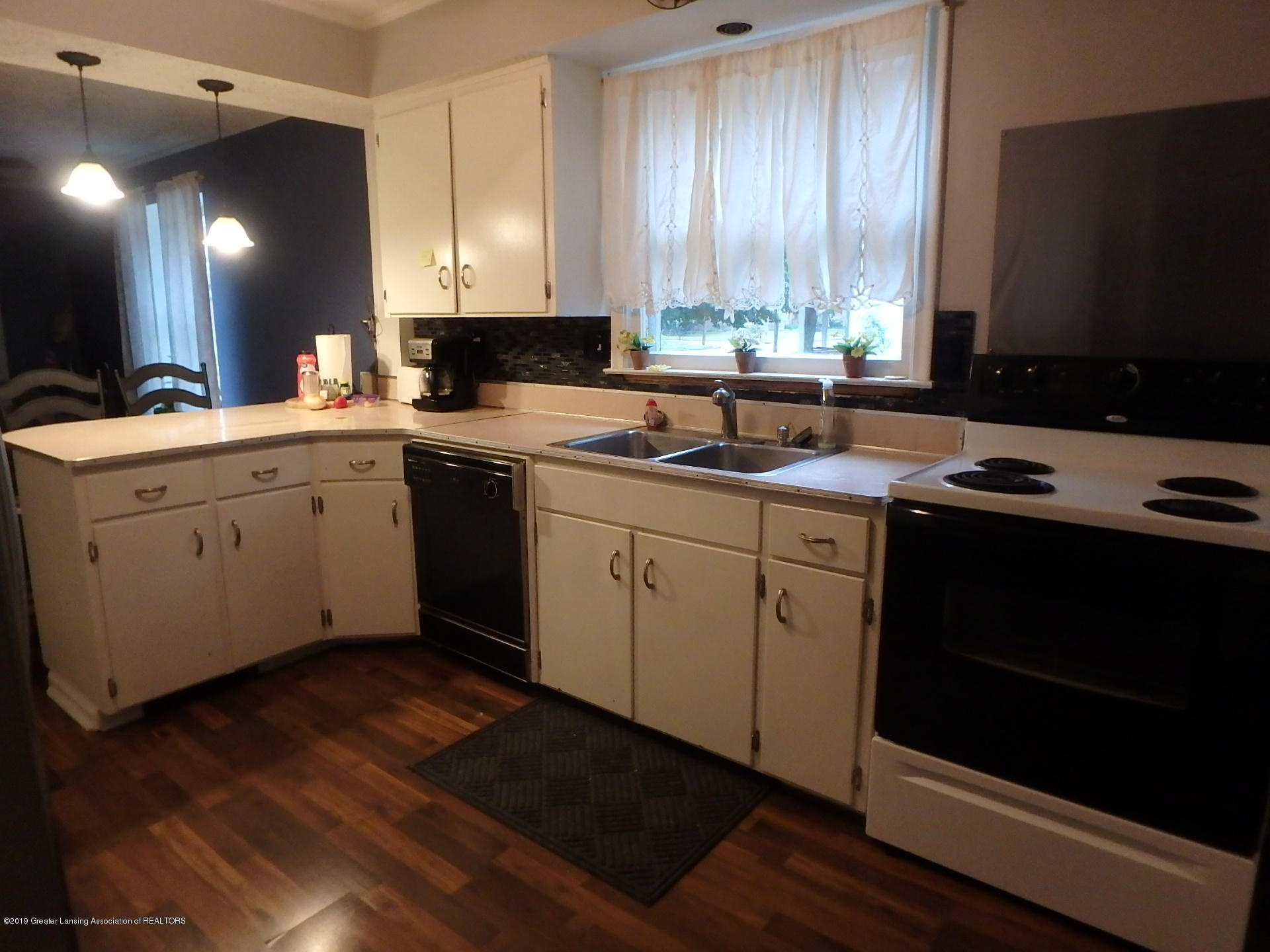 315 Pleasant St - Kitchen - 2