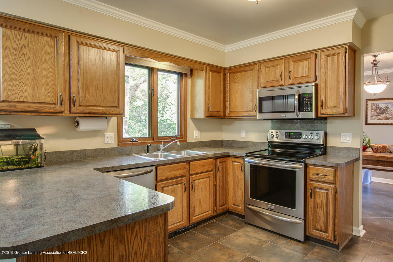 1746 Country View Dr - kitchen - 9