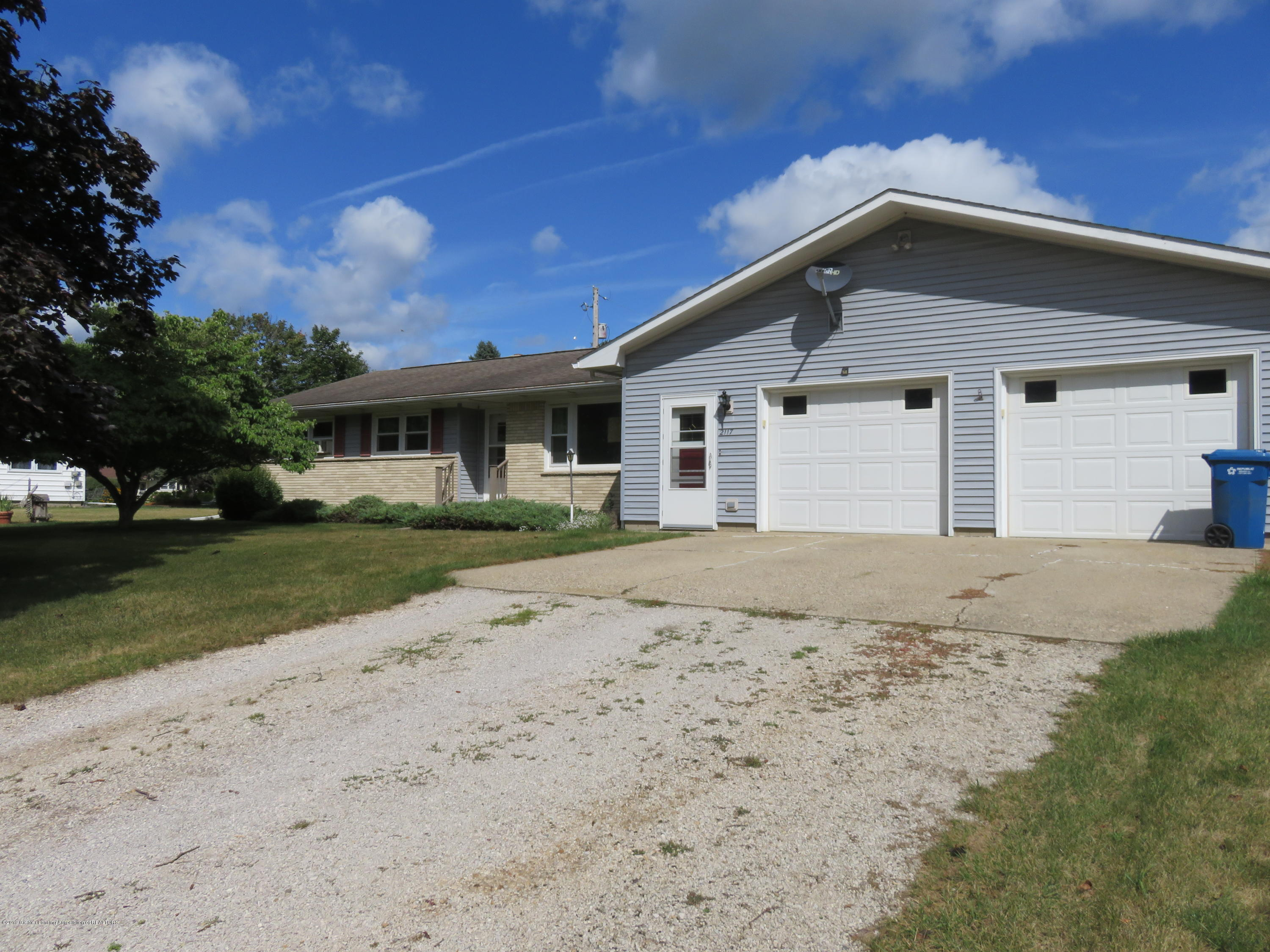 2117 Holly Dr - 2117 Holly Dr - 1