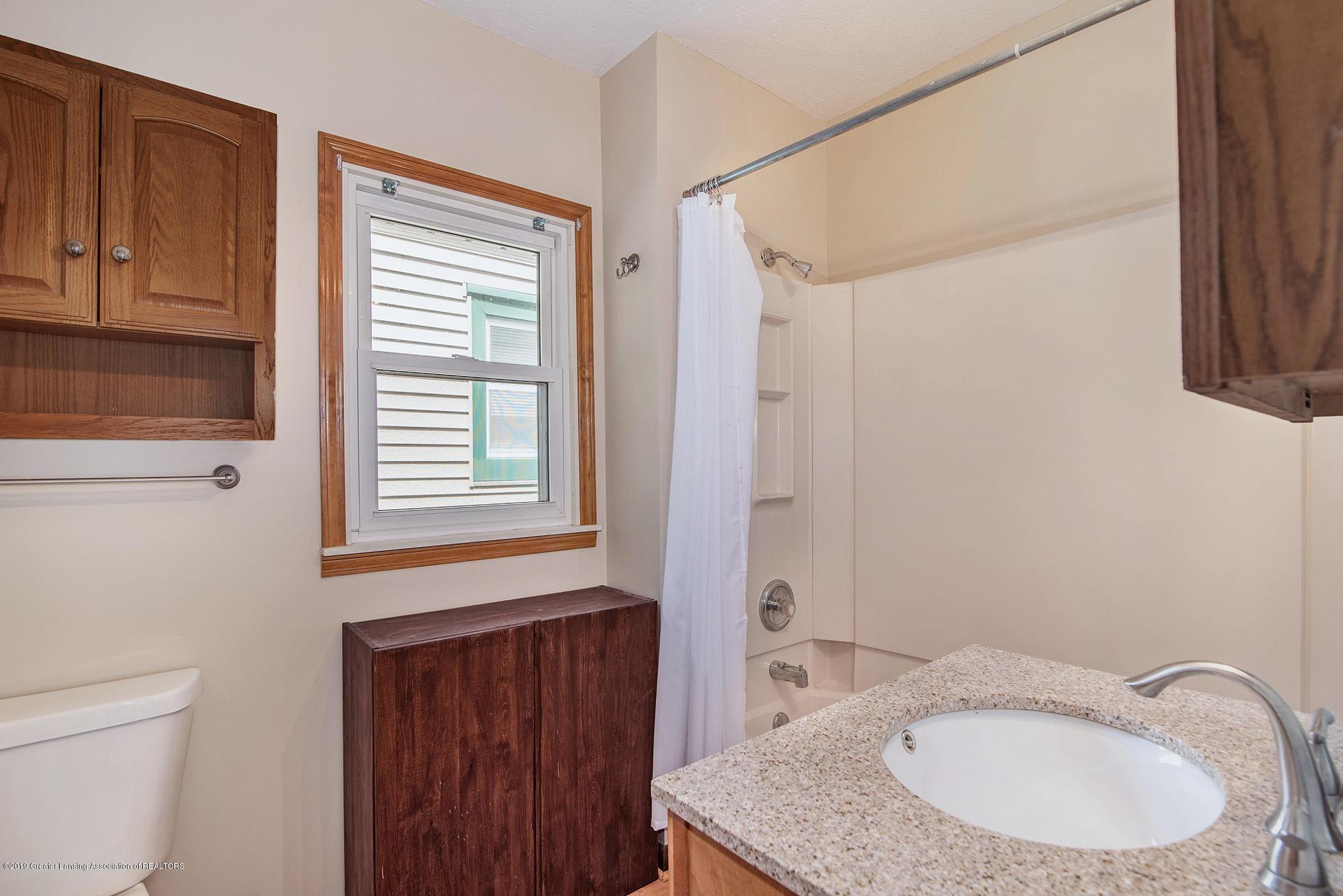 319 N Hayford Ave - 11 bath - 11
